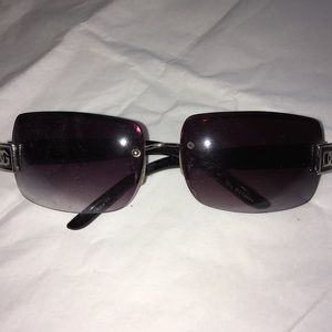 Accessories - Gently Used. Frameless Lens, Black Sunglasses